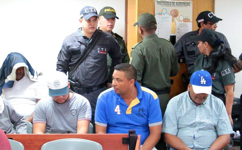 A TERNERA DOS FUNCIONARIOS DE ALCALDÍAS LOCALES IMPLICADOS CON EL CLAN QUIROZ