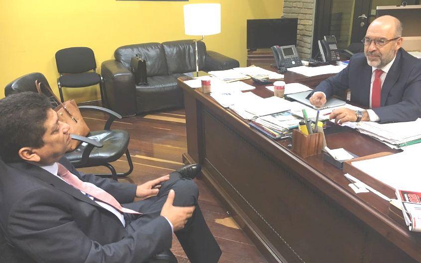 ALCALDE GESTIONÓ LEGALIZACION DE 200 PREDIOS ANTE MINVIVIENDA