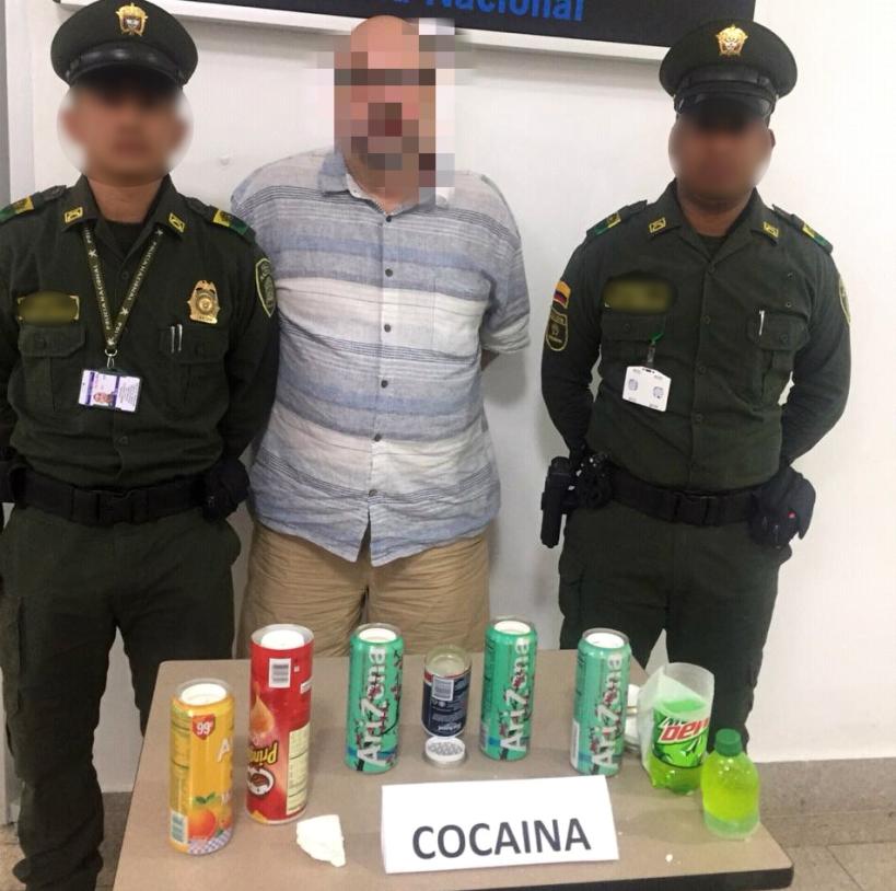 CAPTURADO GRINGO CON UN KILO DE COCA EN EL AEROPUERTO