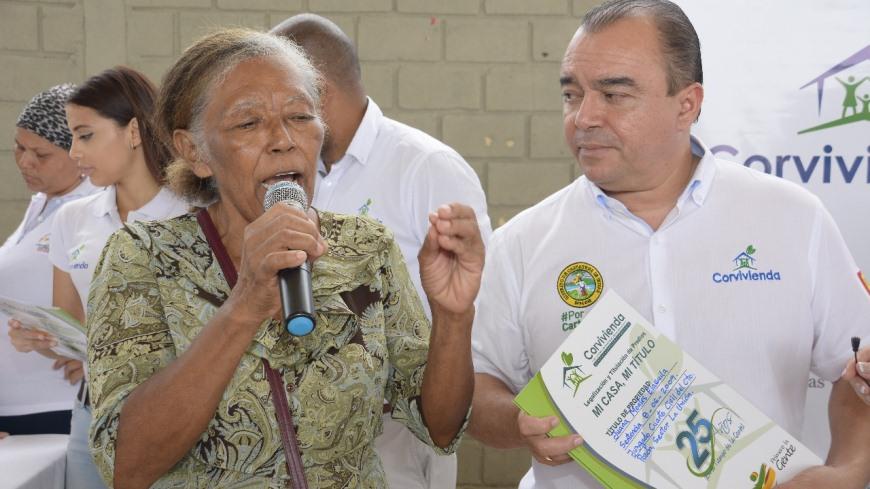 EXITOSA ENTREGA DE TITULOS DE PROPIEDAD A 70 FAMILIAS EN EL POZON