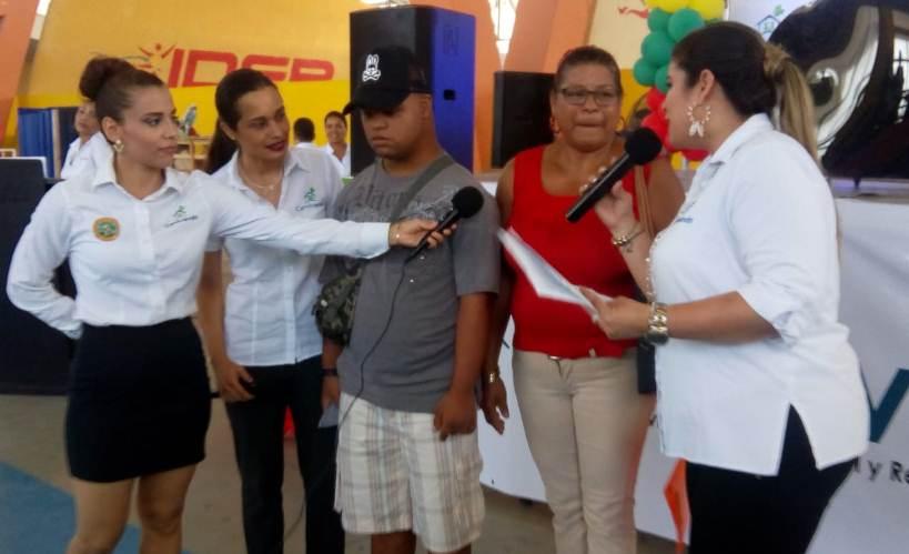 FAMILIAS BENEFICIADAS EN SORTETO DE CORVIVIENDA COMPLETAN DOCUMENTACION