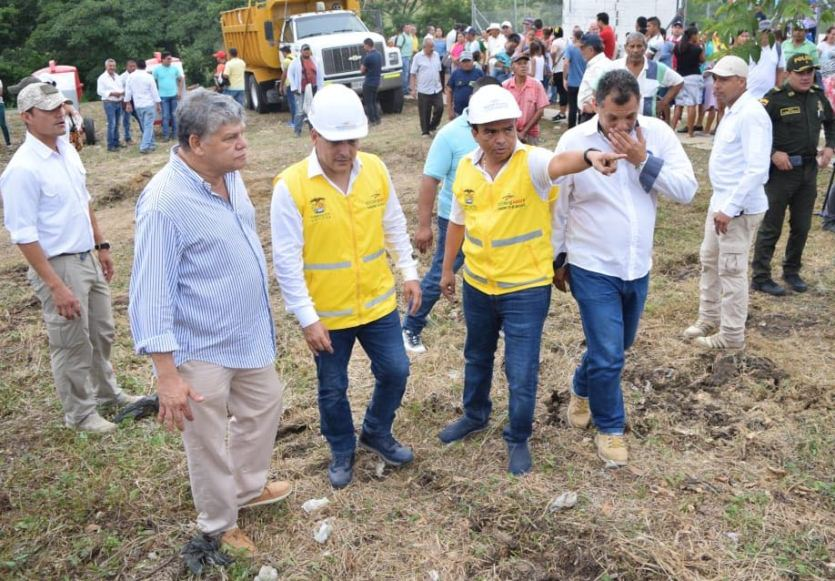 GOBERNADOR INSPECCIONÓ OBRAS EN ACUEDUCTO REGIONAL EN SAN JUAN NEPO