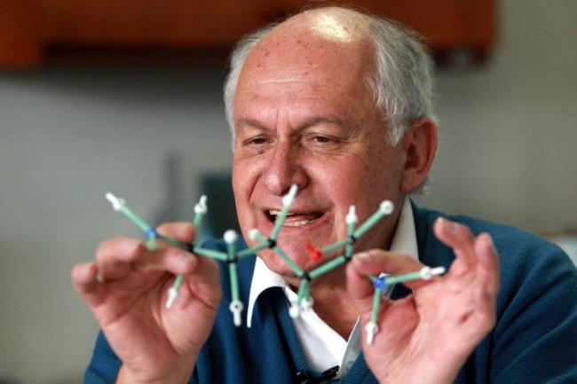 Manuel Elkin Patarroyo, toda una vida buscando vacunas para cuar enfermedades