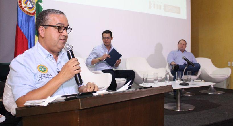MINISTRO DE VIVIENDA ANUNCIÓ 500 CASAS NUEVAS PARA CARTAGENA